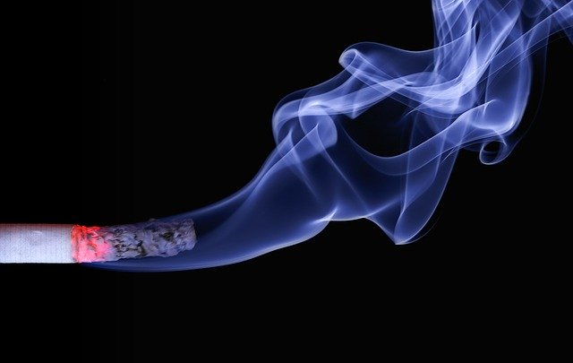Kouř z cigarety
