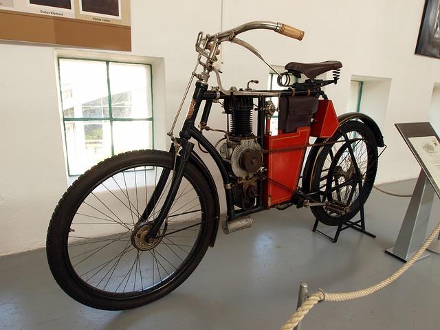 Motocykl Laurin a Klement