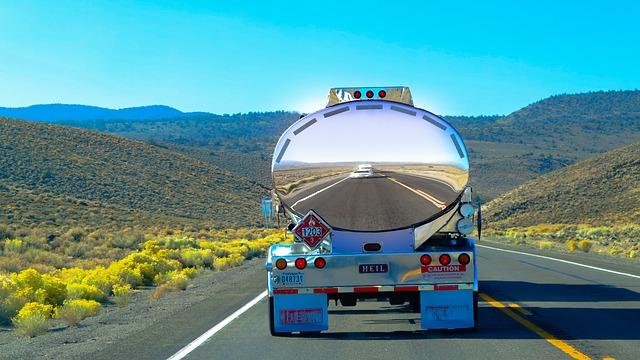 tanker na cestě